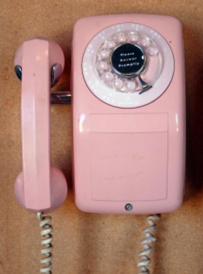 1353144_pink_telephone.jpg